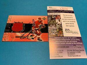 Steve Yzerman Red Wings HOF 1999-00 UD Jersey Card Signed Auto JSA COA