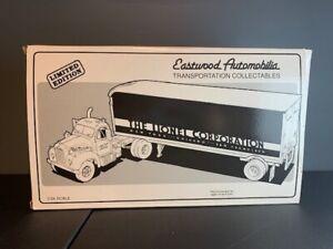 NIB Lionel Eastwood Automobilia 1960 Model B-61 Mack Lionel tractor with trailer