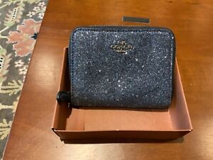 New In Box Coach Midnight Blue Star Glitter Small Zip Around Wallet #F38693
