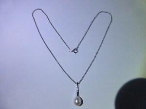 Fine 18carat Gold Pearl & Diamond Necklace.