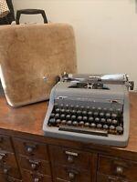 Vintage MCM Matte Grey Royal Quiet De Luxe Portable Manual Typewriter & Case