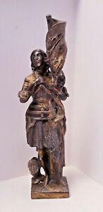 * Jeanne d'Arc, statuette en régule patiné signée Pierson - Vaucouleurs 1886