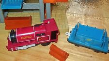 TOMY TRACKMASTER MOTORIZED THOMAS TANK ENGINE SKARLOEY MILL RAILROAD TRAIN LOT