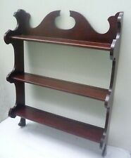 TRADITIONAL STYLE WALL-MOUNTED WOODEN SHELF UNIT / PLATE RACK