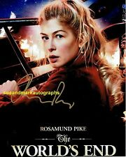 Rosamund Pike in The worlds End Comic Science Fiction  Autograph UACC RD96