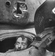 WWII Photo Sherman Tank Driver Wounded by Cologne Panther World War WW2 / 1189