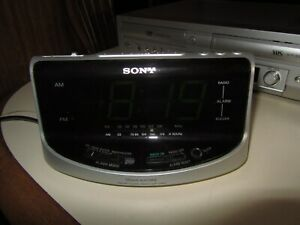 Sony ICF-C492 Dream Machine Large Display Clock AM/FM Radio Dual Alarm tested