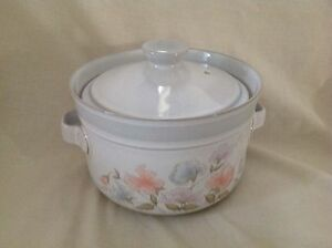 DENBY DAUPHINE TWO HANDLED LIDDED CASSEROLE DISH EXCELLENT CONDITION FIRST