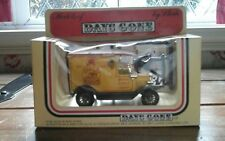 DAYS GONE BY...VEHICLE...with...FIGURES..LLEDO...1983.....VINTAGE....BOXED....