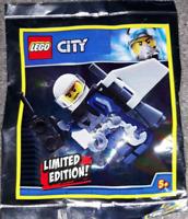 LEGO CITY: Police Officer with Jetpack Polybag Set 951904 . Free UK Postage