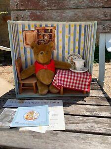 RARE. LE. Gabrielle Designs & Royal Doulton Winnie the Pooh & China Set. 14/5000