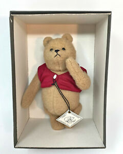 """R. John Wright Vintage 8"""" WINNIE THE POOH Mohair Plush In Box with Hang Tag"""