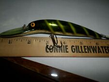 Bomber Old Screw Tail Deep Long-A, 4-1/2in. Body Minnow crankbait lure