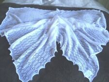 HARRINGTONS  MACHINE  MADE  100%  ACRYLIC  WHITE  BABY  SHAWL  SCALLOPED  EDGE