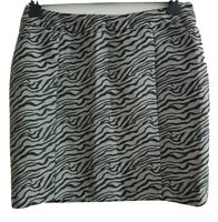SOAKED IN LUXURY GOLD Women's Grey/Black Zebra Print Mini Skirt. Size Large.