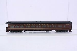 Walthers HO Scale Pennsylvania Railroad Heavyweight 3-2 Observation Lounge