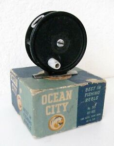 Vintage OCEAN CITY 305 Fly Fishing Reel with Original Box