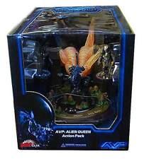 HorrorClix AVP Alien vs. Predator: Alien Queen Figure