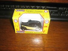 DIE-CAST - AUSTIN FL1 - PRIVATE HIRE CAR - BLACK OVER CREAM - 00 gauge / 1:76