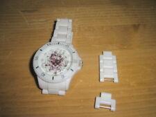 ED Hardy Original Armbanduhr weis neuwertig Love Kills mit Datumanzeige