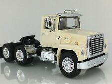 1/64 DCP AG WHITE FORD LN 9000 DAY CAB