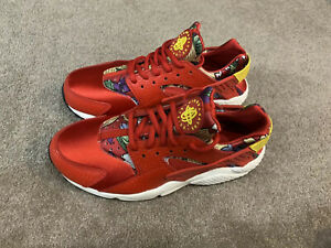 Nike Air Huarache Rare limited Edition Exclusive Red With Pattern UK Size 5