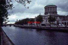 PHOTO  1993 DUBLIN THE FOUR COURTS FROM MERCHANT'S QUAY TO ARCHIVISTS THE FOUR C