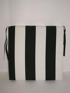 Resort Spa Outdoor Patio Seat Pad Cafe Stripe Black White 18.5 x 18.5 x 2.5 NEW