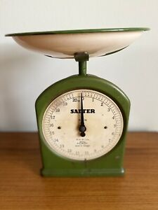 Vintage 1940s SALTER No. 34 Kitchen Scale 20 lbs by 1 oz Enamel Bowl -Film Prop