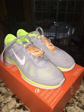 NWOB Women's NIKE In Season TR 5 Shoes 807333 003 Gray Volt Size 5 MSRP $75