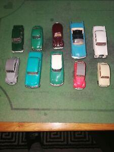 Lot de 10 voitures norev anciennes en plastique 1/43
