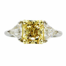 2.80 CTW Radiant cut Diamond Engagement Ring Fancy Yellow 18K Gold GIA Certified