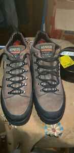Mephisto Lifestyle For Adventure Boots Brown Suede Shoes Size 9-10 US..MIX MATCH