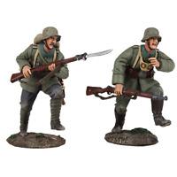 Britains Soldiers 23097 WWI Attack  German Infantry Assault Team - 2 Pc. Set