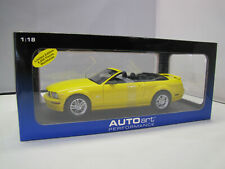 73062 AUTOart 2006 Ford Mustang GT Convertible - Yellow - 1:18
