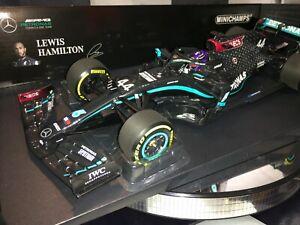 1:18 Minichamps 110200244 Lewis Hamilton Mercedes AMG F1 W11 Styrian GP Win 2020