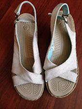 Woman's Crocs A-Leigh Linen Slingback Wedge Heel Open Toe Sandals Size 8 EUC