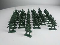 """Lot Of 47 Greenbrier International Army Men Toy Soldiers 2"""""""
