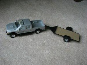 ERTL-1/24 Black Diecast John Deere Pick-Up Truck and Flat Bed Trailer