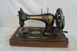 VINTAGE RETRO Singer Hand Crank Sewing Machine - 1896 - w/Case -No Letter Series