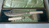 STUNNING PAIR ANTIQUE SILVER PLATED CARVED HANDLE CASED   FISH SERVERS
