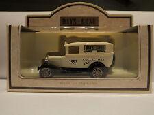 LLEDO DG37 003 1932 FORD Model A Panel Van-Collectors Club Automne 1993