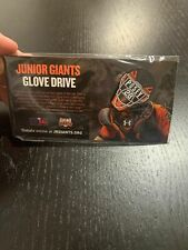 BUSTER POSEY 28 Pin San Francisco SF Junior Giants 2017 ** NIB **