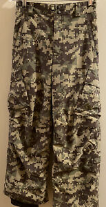 Boys Burton snowboard Pants Military Camouflage  Cargo Large Excellent