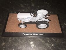 "ATLAS EDITION-FERGUSON TE-20 - 1953 ""LITTLE GREY FERGIE modèle"" TRACTEUR. 1:32"