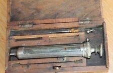ancienne seringue dans sa boite d origine médecine science