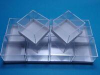 100 MM MICROMOUNT-Dosen  weiß  28x28x22 mm für Mineralien Fossilien / Kästchen