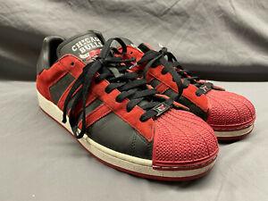 Mens 13 Adidas Super Star Chicago Bulls Red Black NBA shelltoe Shell top 014174