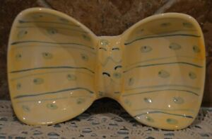"""BOW SHAPED CANDY DISH~EASTER BUNNY BOW TIE DISH~TWO COMPARTMENTS~EUC~8.25""""x5"""""""