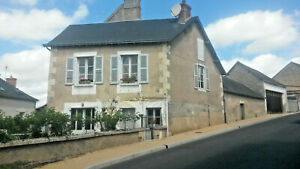 DELIGHTFUL  2 BED TOWNHOUSE IN RURAL FRENCH VILLAGE
